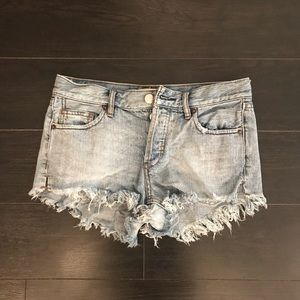 NWOT Free People Distressed Cut Off Shorts